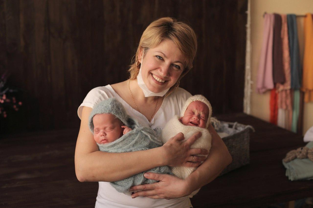 Фотограф новорожденных — Галина Кнышова.